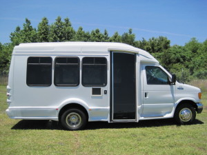 Comfortable mini bus for up to 14 people