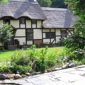 Anne Hathaways Cottage Bed and Breakfast Inn - Staunton Viriginia