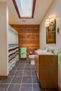 Charlottesville cabin bathroom
